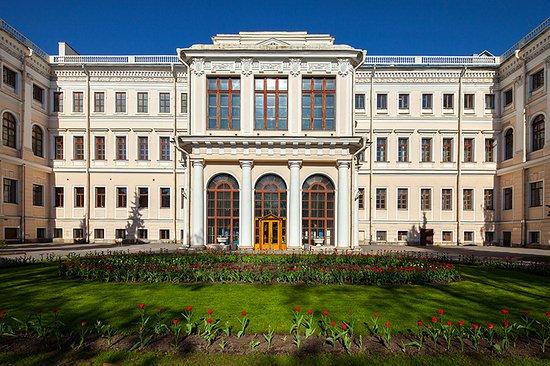 аничков дворец фото отец хотел