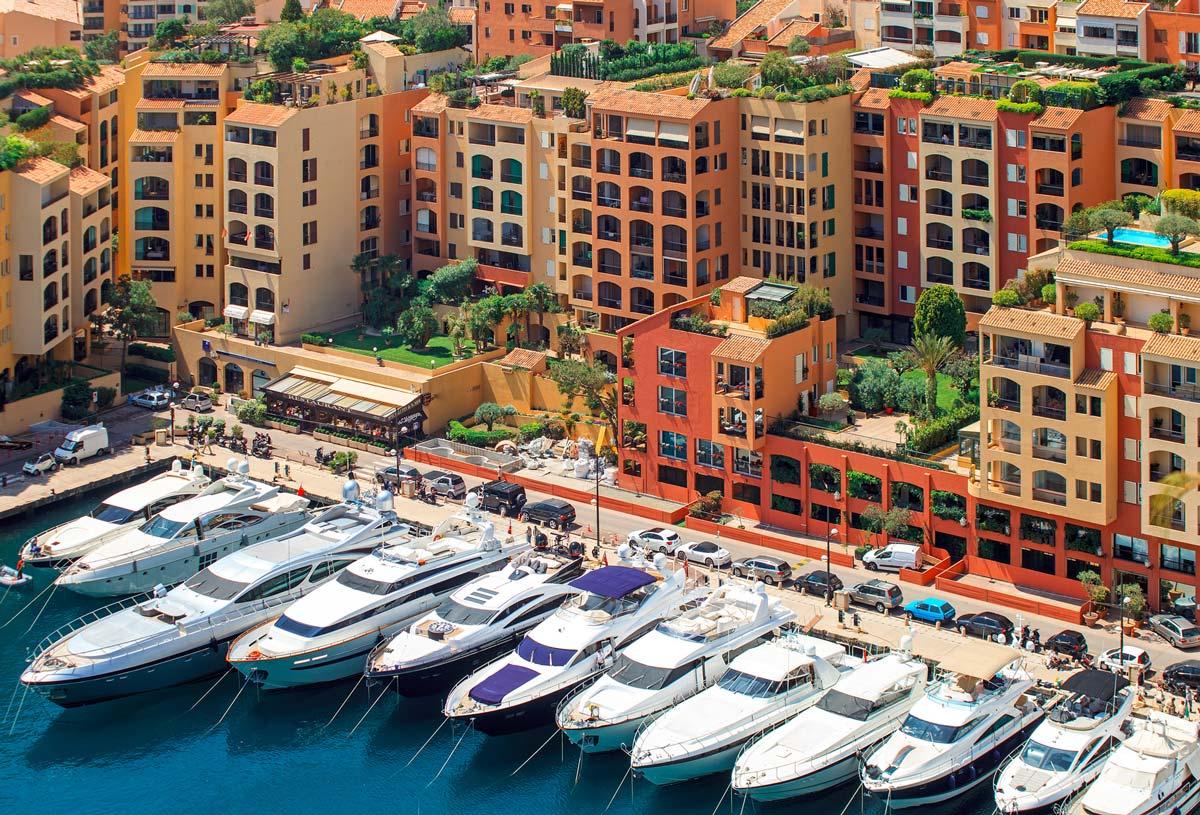 Каково это жить в Монако, где 1 из 3 человек - миллионер.