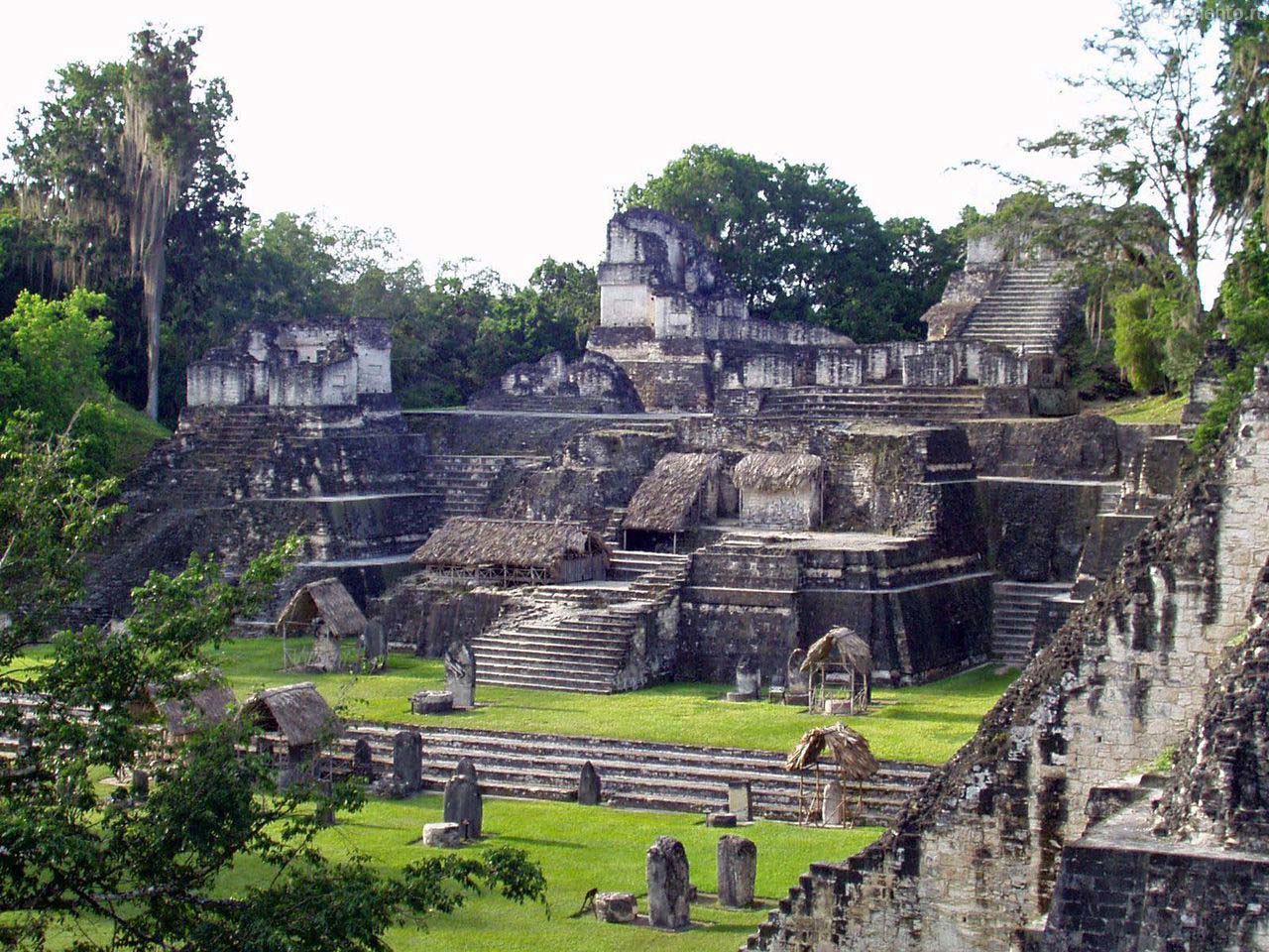 the mayan languages of guatemala and mexico This mayan language is spoken in mexico and in central guatemala near the western border with mexico, and has two main dialects: 6,000 to 7,000 people speak the san mateo ixtatan dialect (new testament published in 1970) and 8,000 speak the san sebastian.